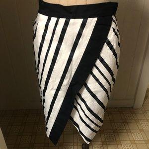H&M sz 8 Pencil Skirt Criss Cross Stripe Black Tri